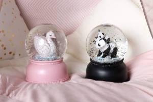 sg-lr-1_snowglobe_light_swan_panda_2