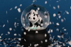 sgpabl02-lr-7_snowglobe_light_panda_1