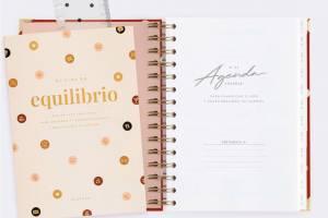 agenda-diaria-21-22-carmin-mediana-chubby (2)
