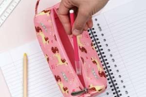 pelhpi02-lr-7_pencil_case_horse