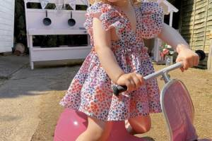 Ambosstoys__PRIMO__Classic__Ride_on__PINK__Portrait__ (7)