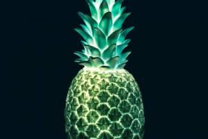 Piña Colada Lamp_Pastel_glacierblue_front_lit_hi_res