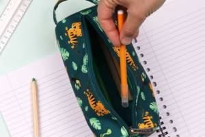 pejtgr05-lr-7_pencil_case_jungle_tiger